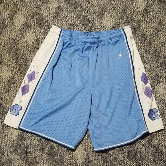 f5f8325da1f Jordan Other - Air Jordan North Carolina Athletic Shorts Medium